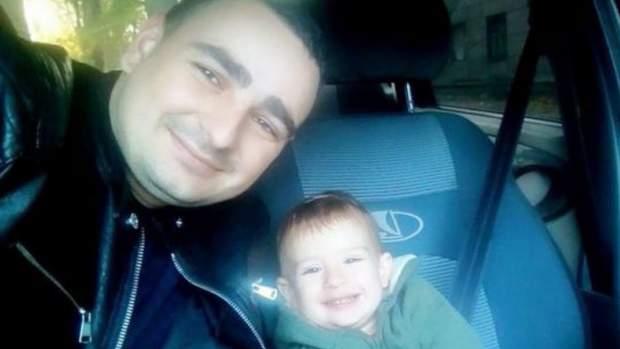 Полонений український моряк Василь Сорока з сином Марком