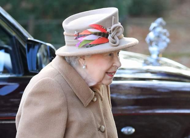Стильний капелюшок королеви Єлизавети ІІ