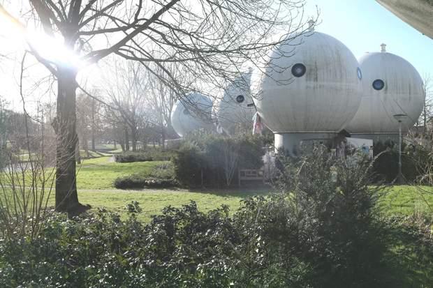 НІдерланди круглі будинки