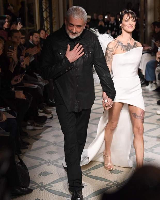 Азія Ардженто з модельєром Антоніо Грімальді