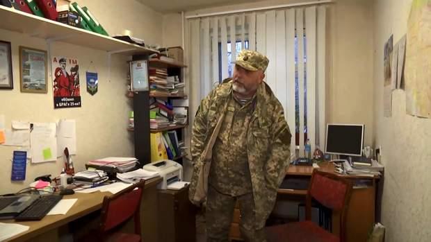 Віталій Волощук у квартирі-офісі організації ДМОВА