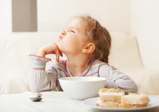 Не годуйте дитину силоміць