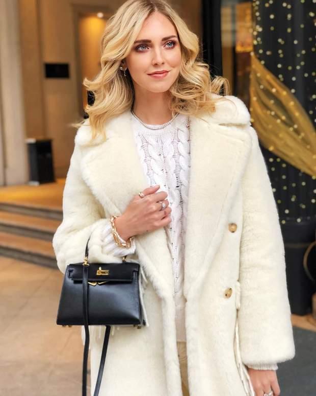 Італійська блогерка засвітила зимове вбрання