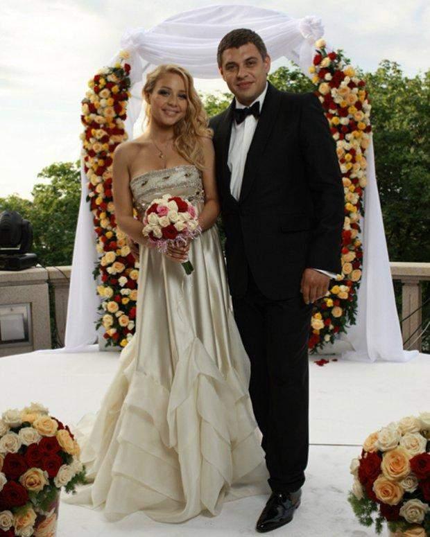 Тіна Кароль з чоловіком Євгеном Огіром