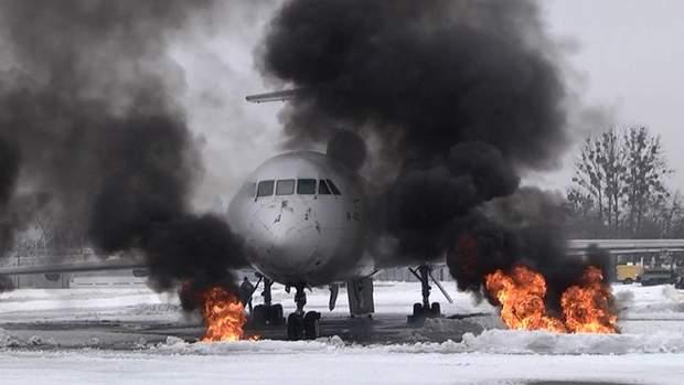 Рятувальники гасили пожежу (умовно) у літаку