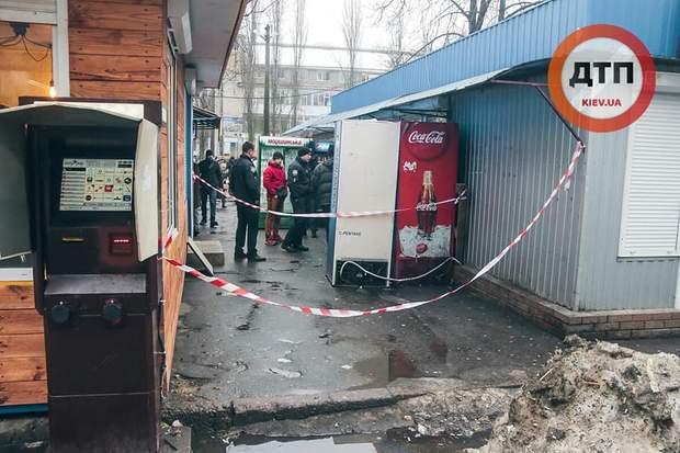 На цьому місці поблизу супермаркету АТБ стався інцидент / фото dtp.kiev.ua