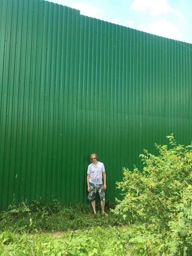 13-метровий паркан Віктора Бондика