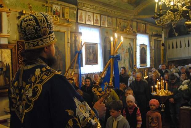 Богослужіння в церкві у Коростишеві
