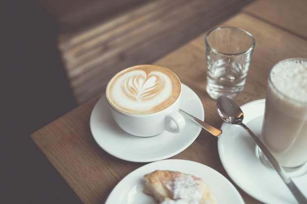 Кава не зневоднює