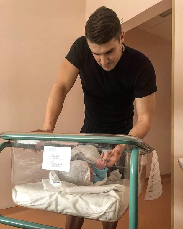 Дмитро Черкасов став батьком