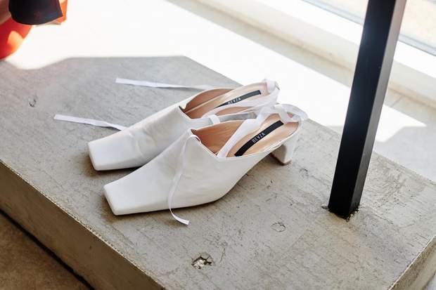 Тренд 2019 року – квадратний носок у туфлях