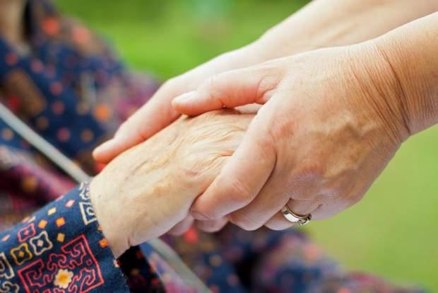 Хвороба Альцгеймера частіше вражає жінок
