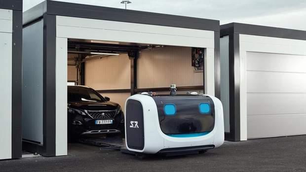 На стоянці аеропорту роботи розвозитимуть автомобілі по паркомісцях