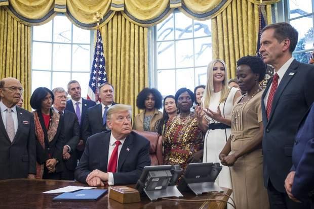 Іванка Трамп засвітила стильну білу сукню
