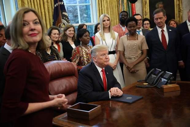 Дональд Трамп і його донька Іванка на офіційній зустрічі