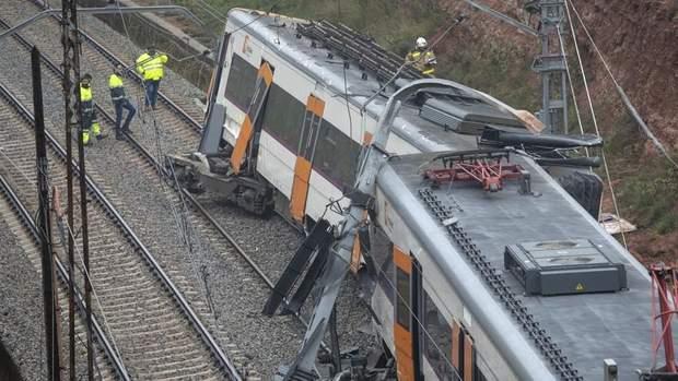Іспанія аварія поїзди ДТП жертви зіткнення потягів Барселона Каталонія