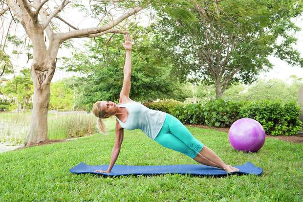 У 40 років, щоб зміцнити м'язи – займіться пілатесом