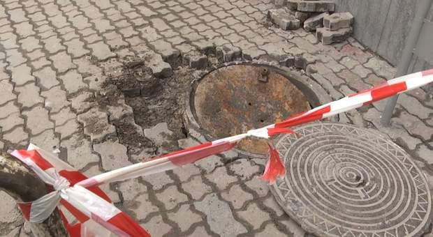 Вибух каналізаційного люка у Львові