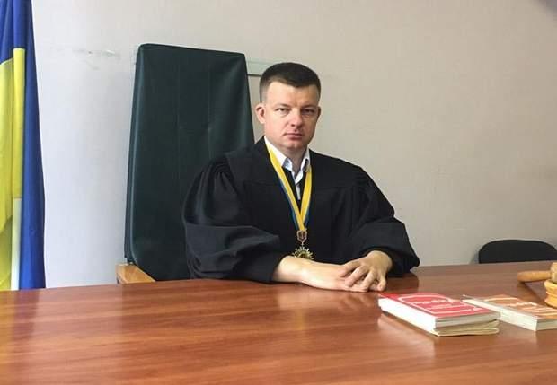 Суддя Ігор Дашутін