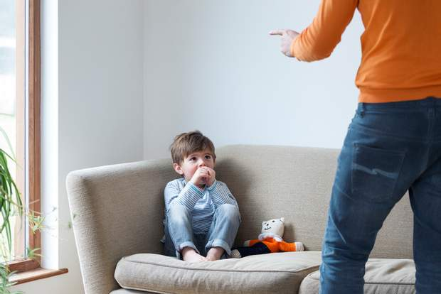 Порівняння з іншими завжди ображає дитину