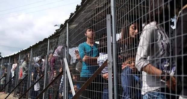 У Греції мігранти проживають в жахливих умовах