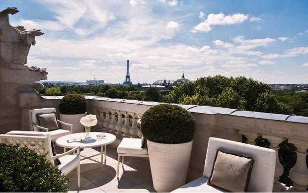 Лагерфельд готель Париж краєвид