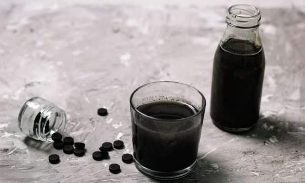 Активоване вугілля для очищення шкіри чи організму неефективне