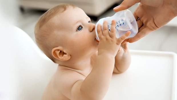 Для здоров'я дитини найбільше підійде некип'ячена, негазована мінеральна вода