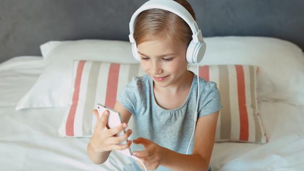 Діти прислухалися до порад батьків щодо музики віком від 8 до 10 років