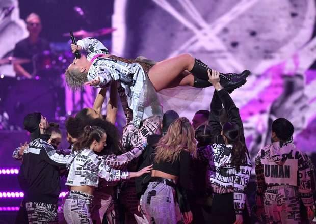 Виступ Pink Brit Awards