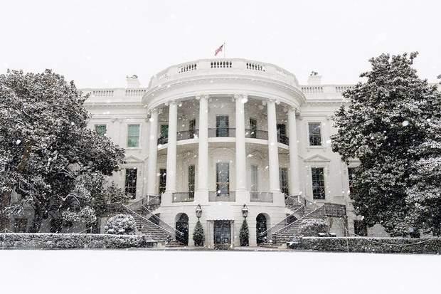 Білий дім взимку