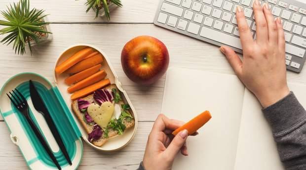Не обідайте на робочому місці