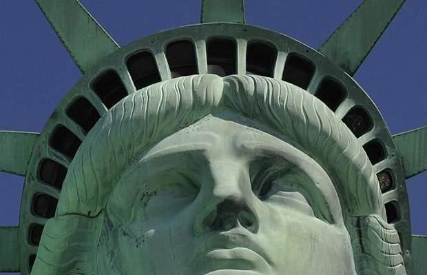Статуя Свободи 25 вікон США