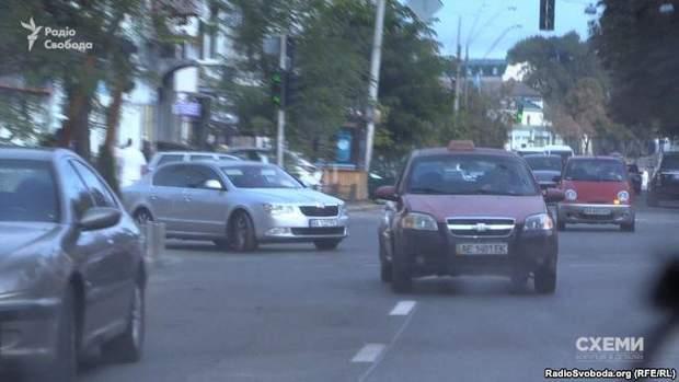 Знімальна група помітила, як одразу за нею з місця рушив автомобіль