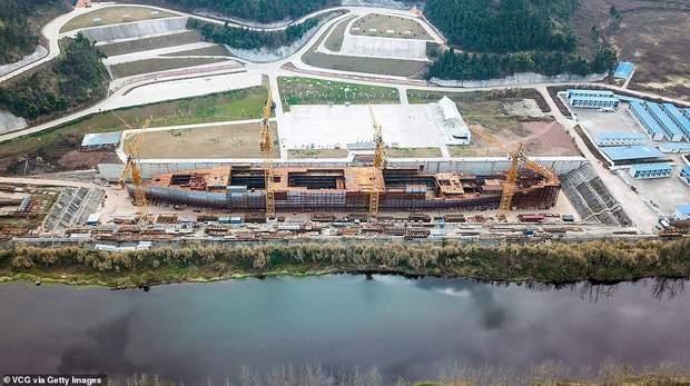 Титанік Китай лайнер будівництво корабель Титанік айсберг