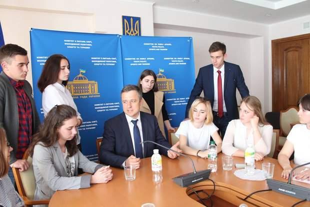 Микола Кулеба, захист дітей