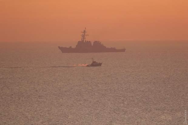 американський військовий корабель есмінець Чорне море