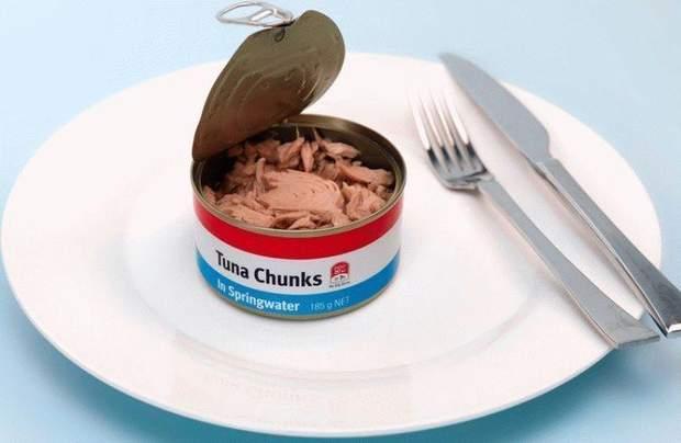 Крістіан Бейл їв на день банку консервованого тунця
