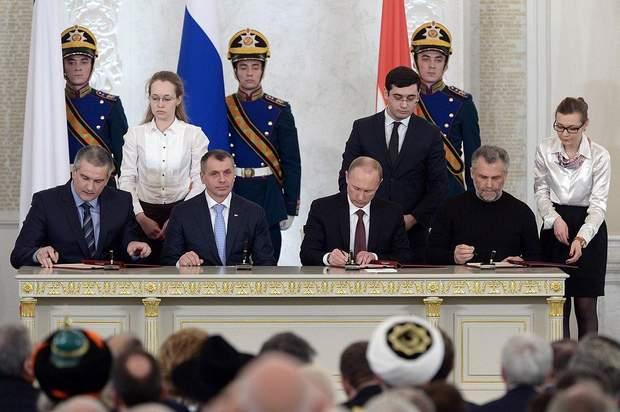 Путін підписав договір про прийняття Криму до складу РФ