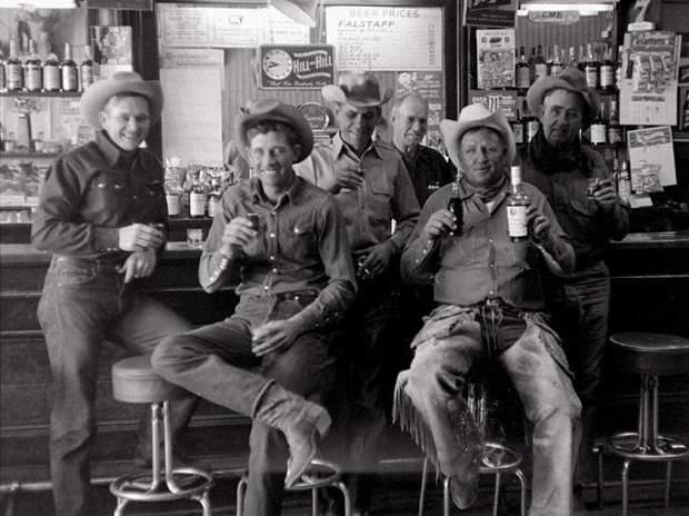 Ковбої пили не віскі, а пиво