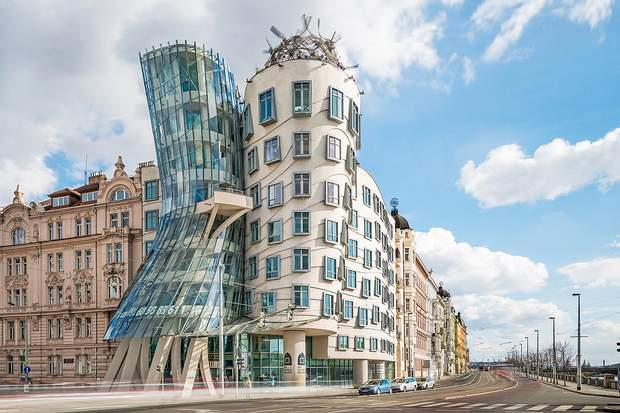 Танцюючий будинок Френк Гері Чехія