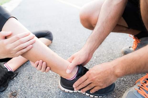 Зверніться до лікаря, якщо сильний біль не проходить протягом години і довше