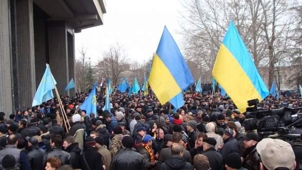 Мітинги проукраїнських активістів під Верховною Радою Криму