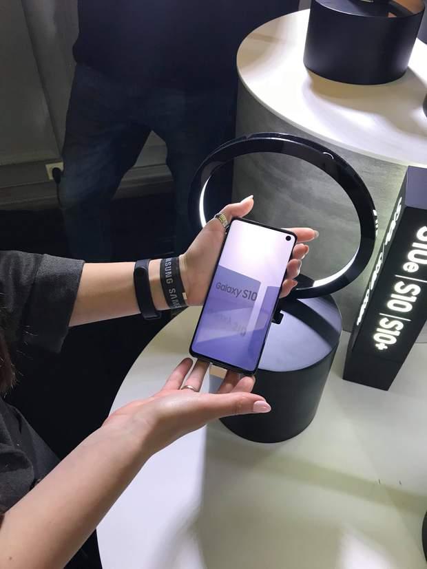 Samsung Galaxy S10  ціна в Україні