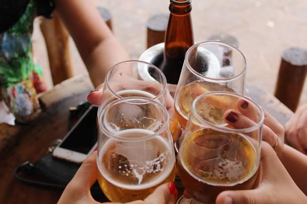 Алкоголь негативно впливає на роботу мозку