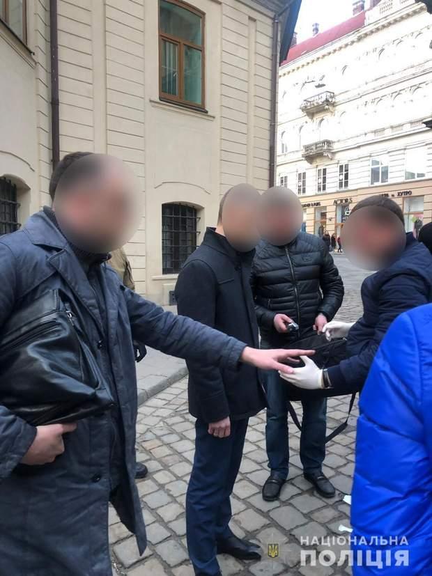 Львівська міська рада обшуки затримання Олег Дроздов