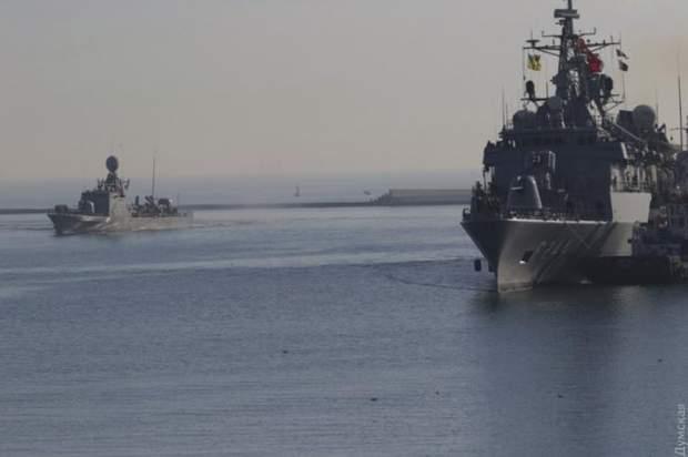 В порт Одеси зайшли військові турецькі кораблі
