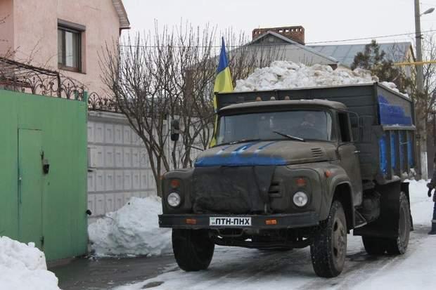 Криворожани привезли п'ять тонн снігу