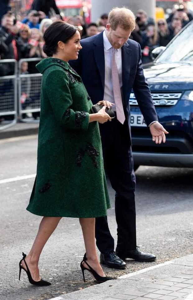 Принц Гаррі супроводжував свою дружину