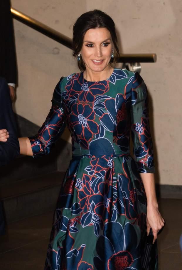 Королева Летиция посетила монаршую семью Великобритании в роскошном платье